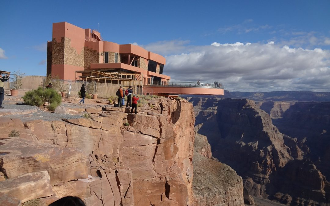 Top-Rated Spring Skywalk Tours at the Grand Canyon