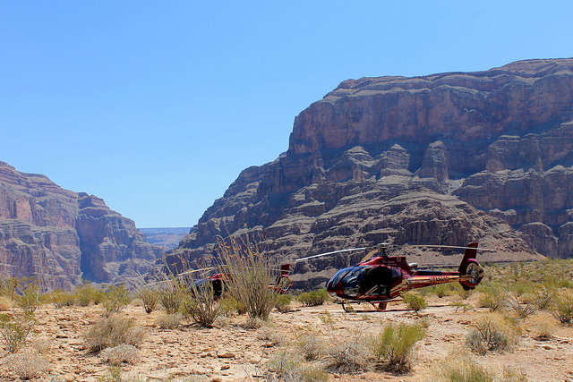 deluxe grand canyon helicopter tour