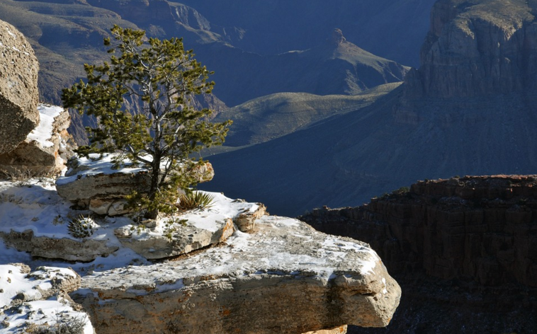 Beautiful Grand Canyon overhang in Winter