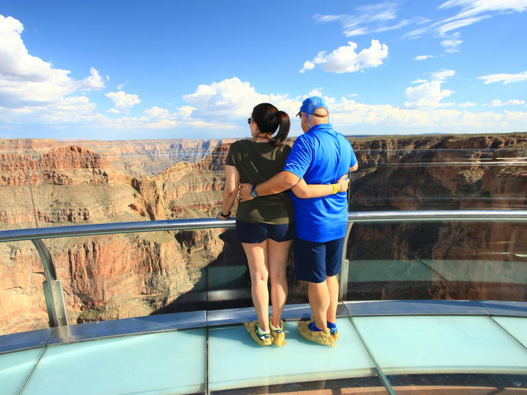 Enjoying the Grand Canyon Skywalk