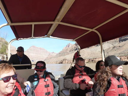 colorado river pontoon ride
