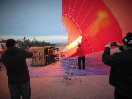 las-vegas-hot-air-balloon-ride-filling-the-balloon