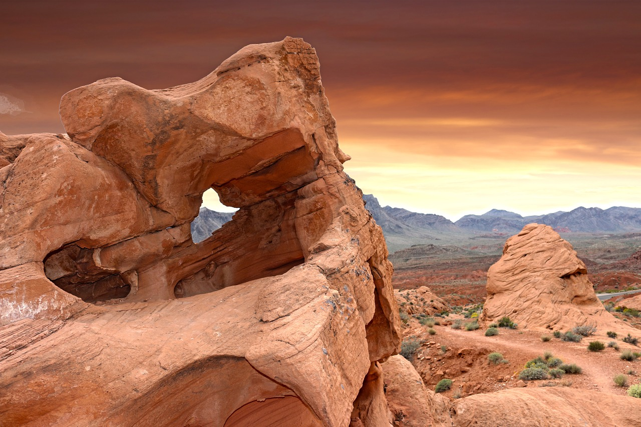 valley of fire - fire rock valley