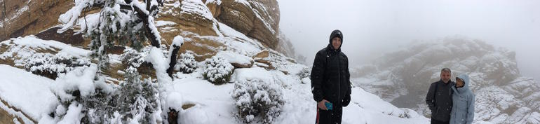 Red Rock Hiking Tour in Winter